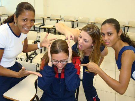 'Só tiro notas acima de oito', diz Sheila Mello - Educação - R7