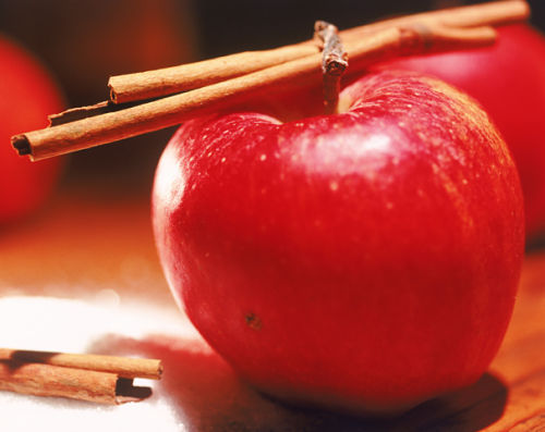 Canela: 1 grama duas vezes ao dia. Pode ser consumida na forma de chá ou polvilhada em frutas quentes como maçã e banana