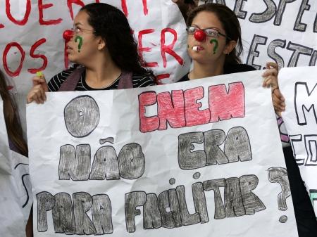 estudantes do RJ protestam contra prova do ENEM