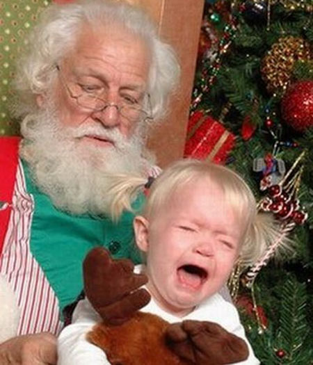 - Olha, menina. Se você parar de gritar, eu te deixo ficar com a rena