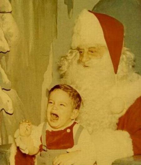 Tem Papai Noel que é tão feio que até a foto amarela