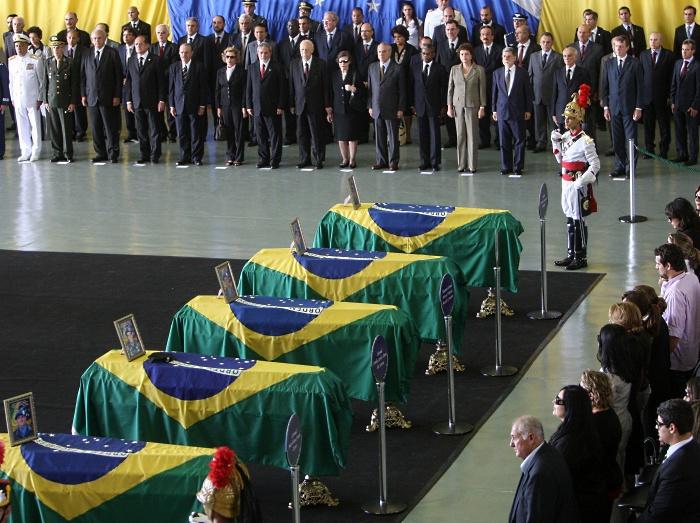 velório cerimonia brasilia lula haiti militar morto g