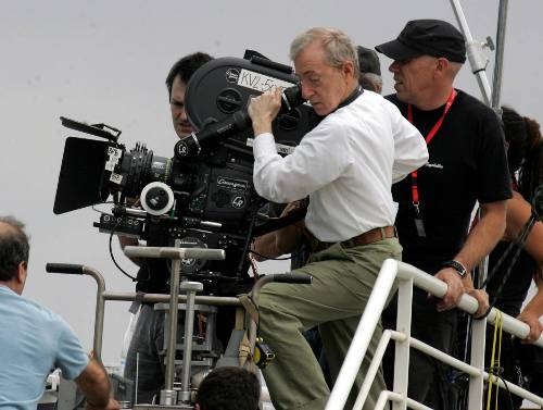 Woody Allen sempre caminhou paralelamente entre atuação e direção. Apesar de sempre interpretar o mesmo papel – dele mesmo –, e em seus filmes, Allen já at...