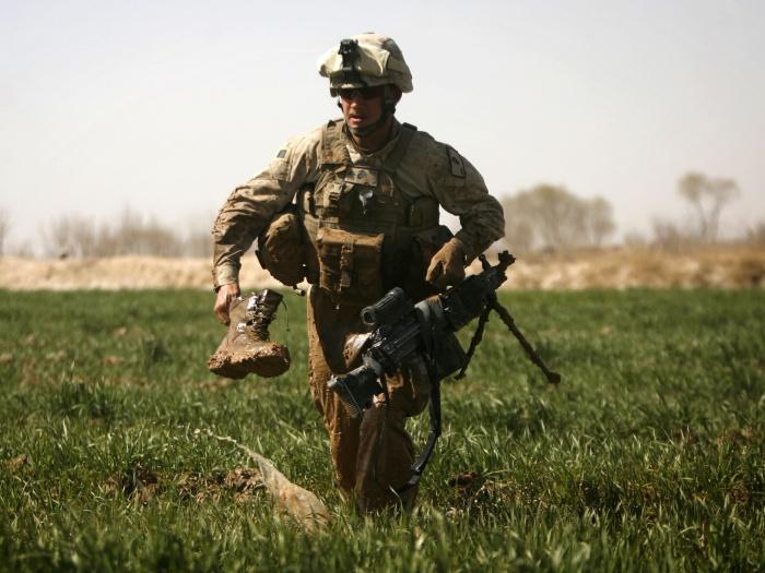 http://i1.r7.com/data/files/2C92/94A3/26E4/7460/0126/E746/994E/6BA7/soldado.jpg