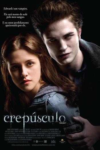 No começo, Edward procura evitar se aproximar de Bella, mas o amor fala mais alto e eles decidem iniciar um romance