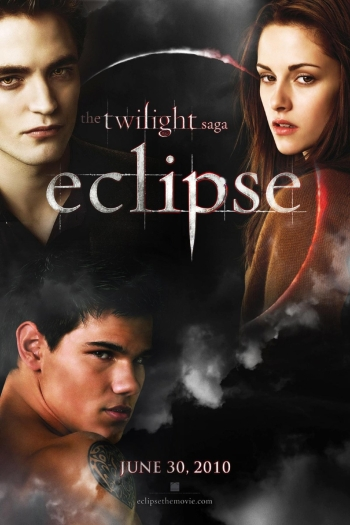 Finalmente, Bella começa a aceitar que o que ela sente por Jacob é amor e não carinho de irmãos, como imaginava. Porém, tem uma difícil decisão: escolher e...