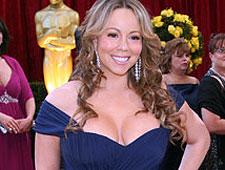 Atração de Barretos, Mariah Carey abusa dos decotes. Veja fotos