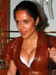 Salma Hayek capricha no decote
