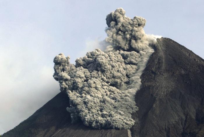 Fotos Vulcao Indonesia Vulcão Merapi Indonésia 700