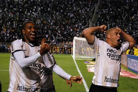 Ronaldo rigore Corinthians