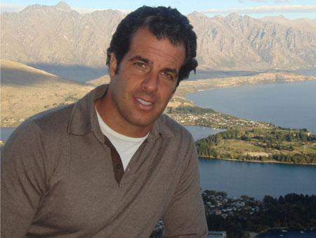 Álvaro Garnero M
