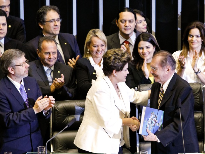 Dilma e Sarney pedem reforma política, mas o que vai acontecer se ...
