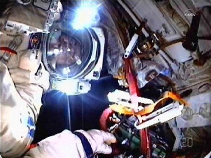 caminhada espacial 700x525