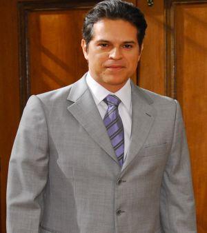 http://i2.r7.com/juanalba-m-20110311.jpg