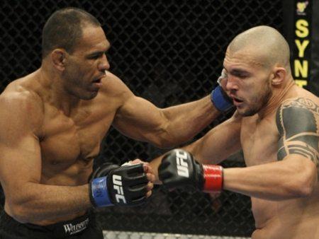 Minotouro bate 'Banha' em sua estreia no UFC - Mais Esportes - R7