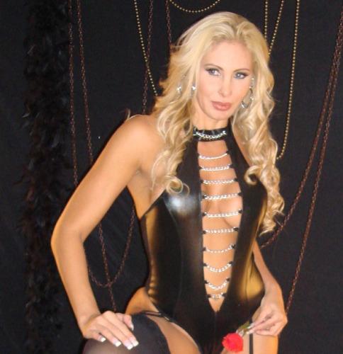 Angela Bismarchi de lingerie