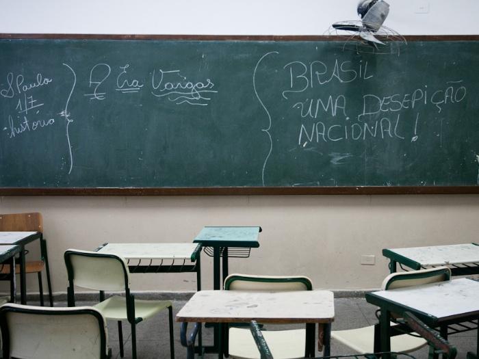sala-de-aula-ideb-paraisopolis-700x525-julia-chequer