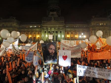 Protesto CAsamento Gay ARgentina HG