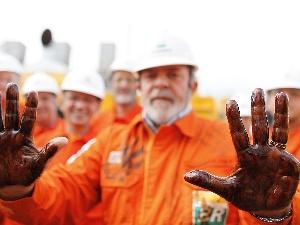 Lula - petróleo 300 x 225