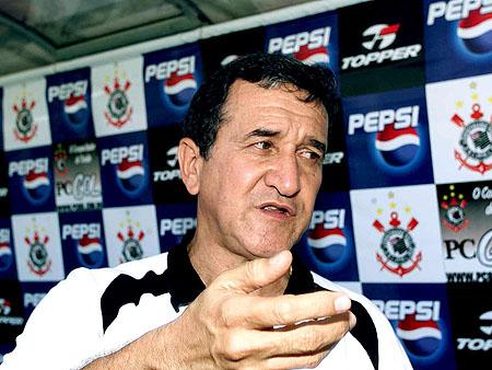 parreira corinthians 2003 A demissão de Adilson, sugerida por Andrés. O sonho do Corinthians é Parreira...