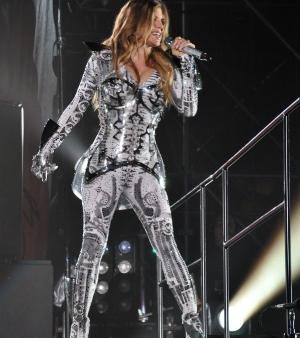 Fergie Black Eyed Peas Salvador