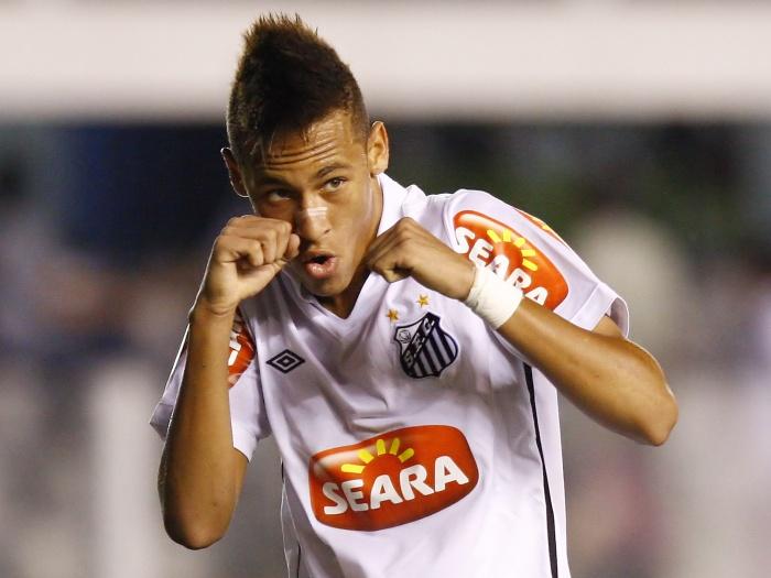 Neymar festeggia il gol