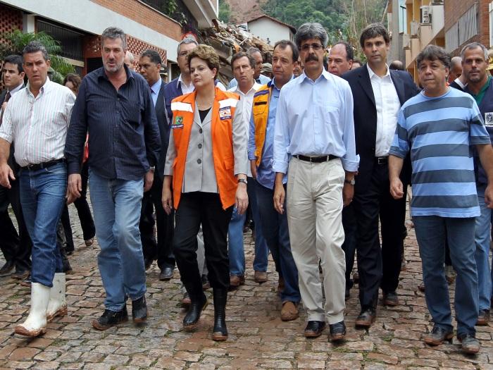 Resultado de imagem para Dilma a tragédia da região serrana