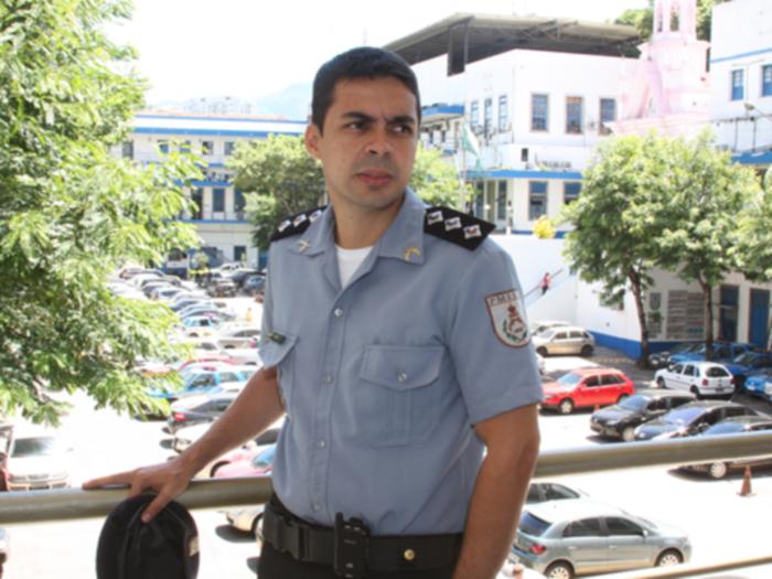 Capitão que cresceu no morro São João comandará UPP inaugurada hoje na comunidade