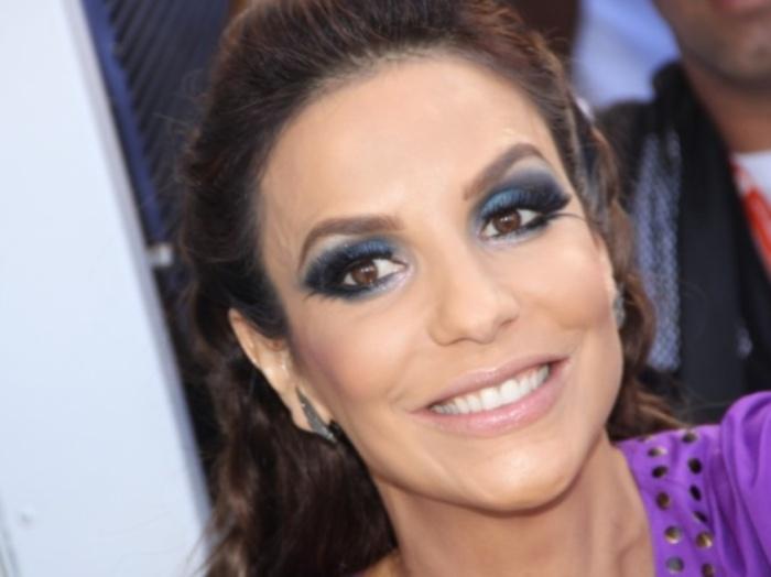 Em fevereiro de 2010, Ivete Sangalo pediu desculpas pela brincadeirinha no Twitter que sua irmã Monica fez com Claudia Leitte. A cantora disse que sabia o ...