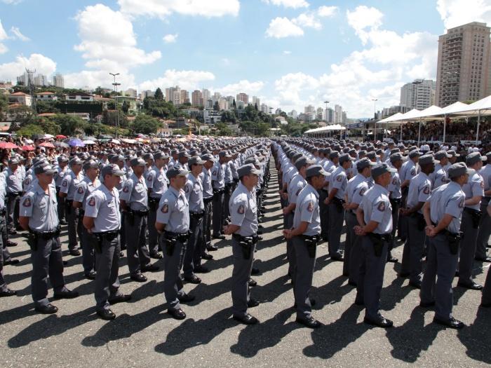 Polícia_Militar_formatura