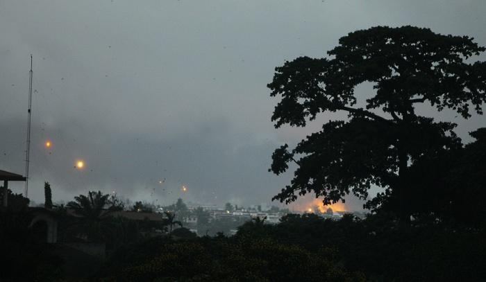 Helicópteros da ONU disparam contra palácio presidencial na Costa do Marfim