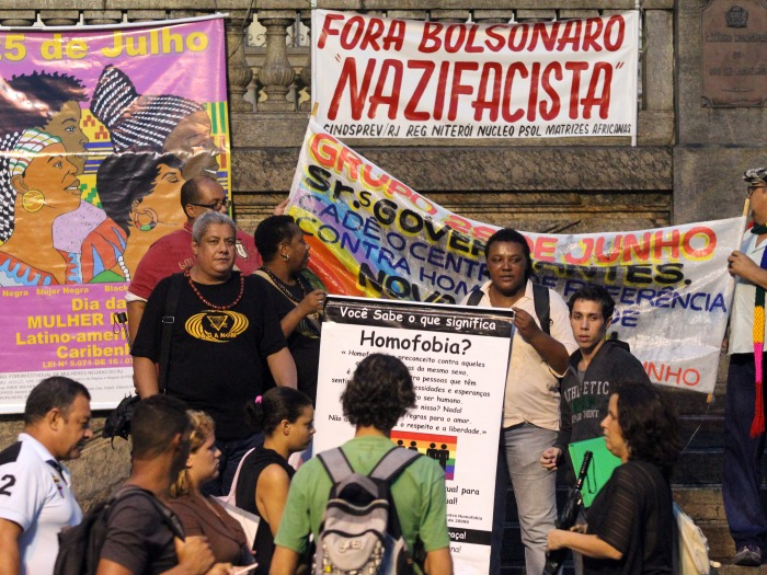 [Imagem: protesto_bolsonaro_ae_hg.jpg]