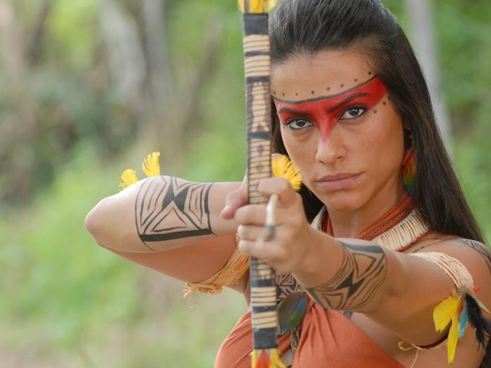 atriz Cleo Pires interpretou a índia Estela na novela Araguaia, de ...