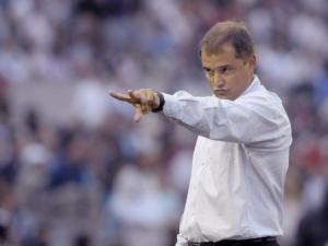 São Paulo adia para segunda-feira início da busca por novo técnico