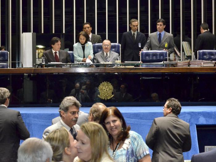 plenario_senado_700