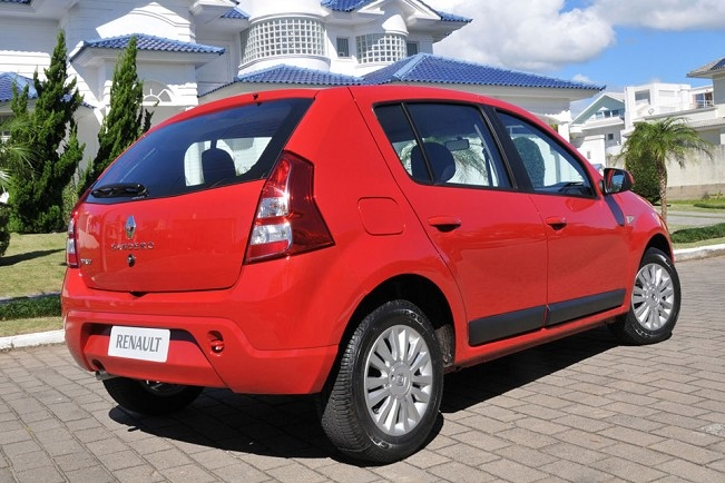 Renault Sandero tras G