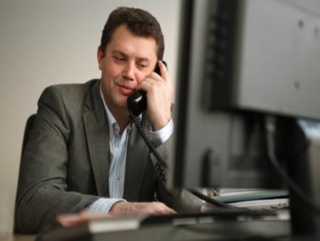 ligação-telefone-m-20110523