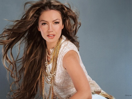 Thalia cotada para Glee brasileiro