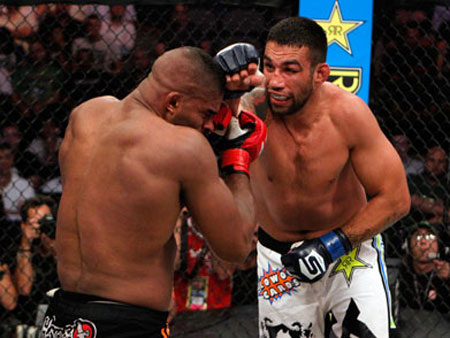Depois de vencer em luta chata, campeão do Strikeforce esnoba ...