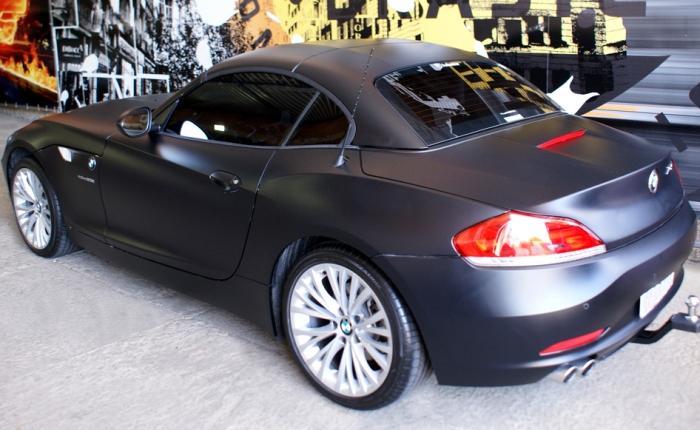 BMW Z4 preto fosco