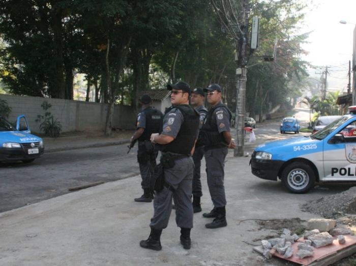 policiais450x338