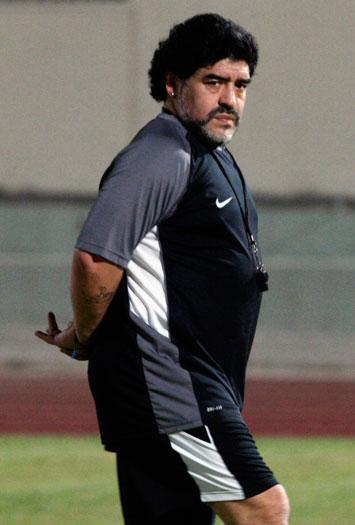 2011 08 06T213740Z 475406613 GM1E7870FRM01 RTRMADP 3 UAE MARADONA Conheça os jogadores de futebol mais gordos da historia