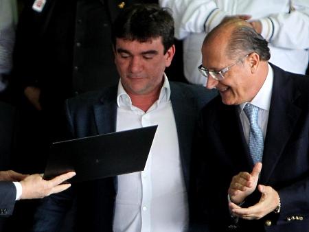 http://i2.r7.com/andres-alckmin-450x338.jpg