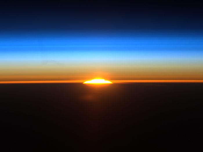 nascer do sol espaco iss 700x525