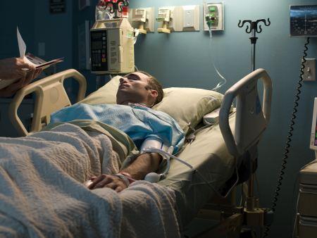 http://i1.r7.com/data/files/2C95/948E/32AB/8879/0132/ABA7/ACCB/1AFF/Paciente-terminal-hg.jpg