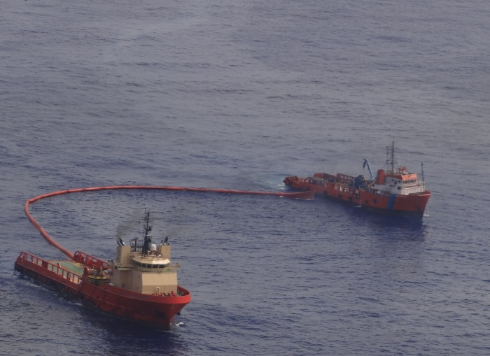 Navio petróleo