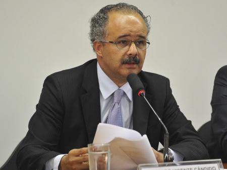 Vicente Cândido 450