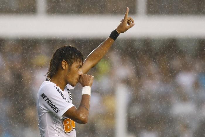 neymar chuva 700