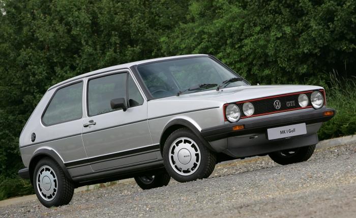 """O VW Golf GTIfoi o carro que inaugurou o segmento de hatches esportivos, em 1976. Até hoje, ele é considerado referência no ramo. Encontrar um modelo """"Mar..."""