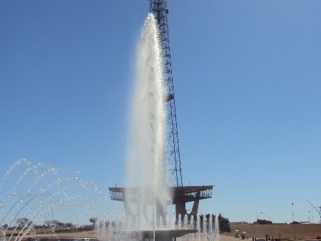 Projeto prevê revitalização total da torre, da feirinha e da fonte luminosa